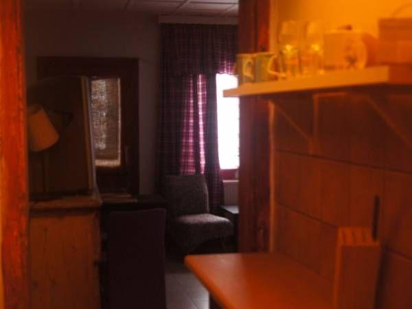aneks kuchenny przy lewym pokoju