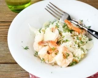 Risotto aux crevettes : http://www.fourchette-et-bikini.fr/recettes/recettes-minceur/risotto-aux-crevettes.html