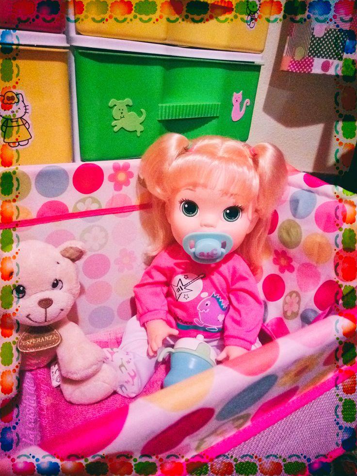 —Buenas noches mami...  (Baby Alive Snackin' Sara o Sara comiditas divertidas)