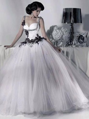 Best 25+ Gothic wedding dresses ideas on Pinterest | Black wedding ...
