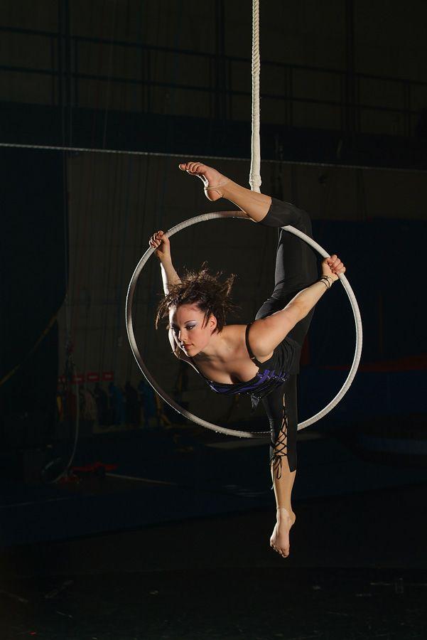 Cirque Plus :: Cerceau Aérien                                                                                                                                                                                 Plus