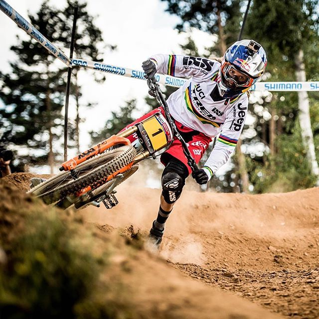 #wcw of the week: Rachel Atherton @rachybox. She won all of the @uci cycling MTB DHI World Cup stops this year and topped it all with this weekend's World Championship Title in Val di Sole, Italy! Philosophy of life: Always push harder. Favorite food:  and spinach. Pedal to the medal, Rachel!  : @nathhughesphoto #mtb #downhill #mountainbike #L4L #beautiful #FF