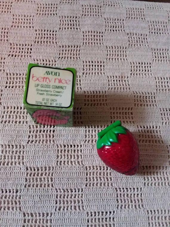 Avon Berry Nice lip gloss compact