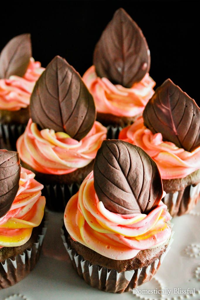 How To Make Fall Colored Leaves In Icing For Cakes