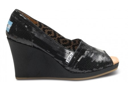 Brilliant! A plethora of dazzling sequins to light up the night and spread some shimmer anywhere you go. With classic TOMS comfort, you'll float around on twinkling lights this season in Black Sequins Wedges.: Toms Wedges, Black Sequins, Glitter Toms, Women Wedges, Sequins Women, Toms Black, Sequins Wedges, Comforter Wedges, Black Toms
