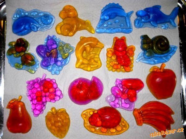 Odlévání mýdla z mýdlové hmoty mýdla mýdlová hmota