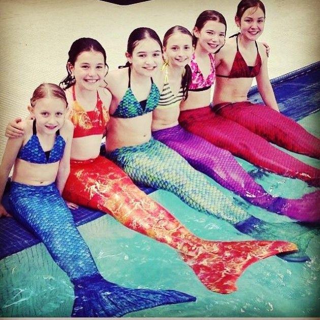 caudas de sereia para piscina