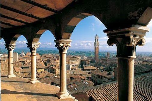 """Fino al 31 gennaio 2015, Siena aprirà le porte ai visitatori unendo allo splendore dei suoi itinerari, un ricco cartellone di appuntamenti che unisce arte, musica, gusto, tradizione e tante iniziative """"a misura"""" di bambino. Scoprite tutto su: http://www.terresiena.it/it/component/content/article/280-news/1873-tutto-il-natale-di-siena-due-mesi-di-eventi-per-vivere-e-scoprire-la-citta-sotto-un-altra-luce      #Hotelbenessere in provincia di Siena su www.beautyfarmonline.it"""