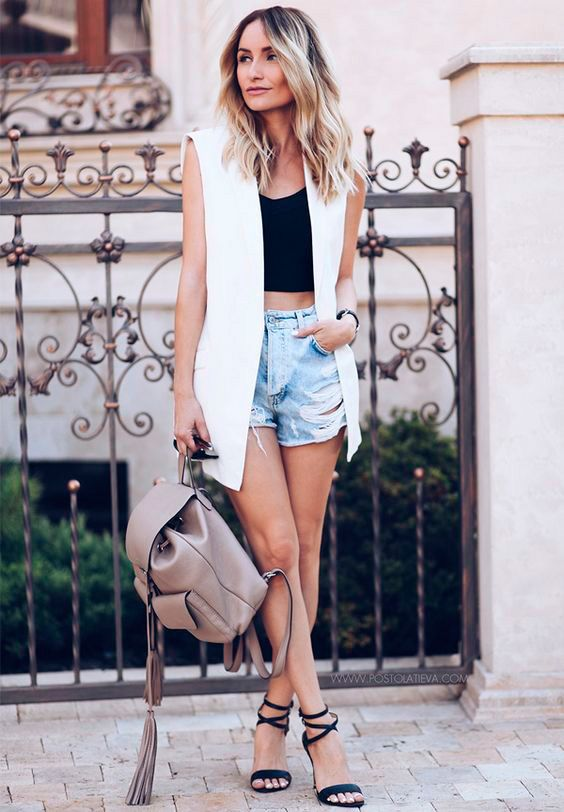 20 Style Tips On How To Wear Distressed Denim Shorts And Look Put Together