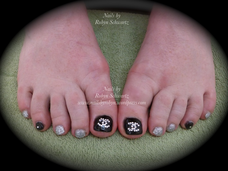 Chanel gel toes with Swarovski's and glitter!