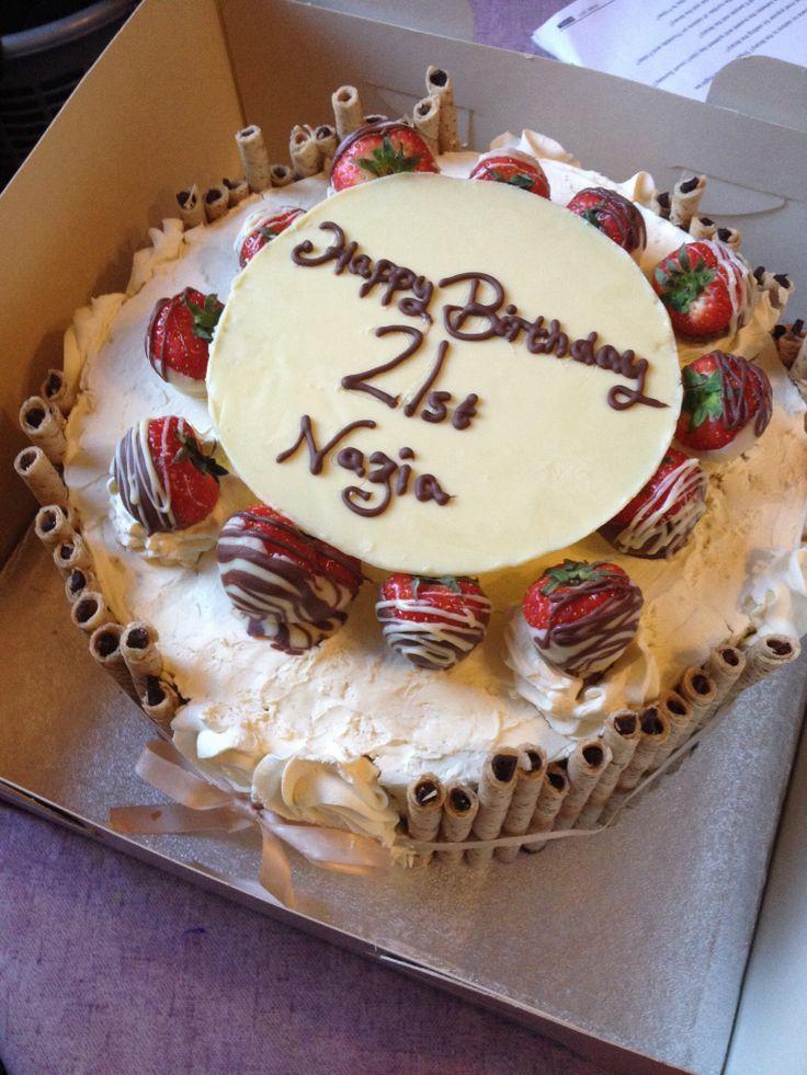 Cake Decoration Fresh Cream : Strawberry/ chocolate/ fresh cream birthday cake ...