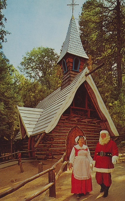 Santa's Village 1950's.....I just adore this image !! Think I'll print it out and frame it !!