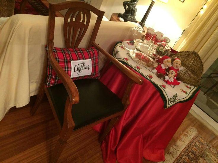 Το Merry Christmas στο κόκκινο καρό μαξιλαράκι έκλεισε τα φετινά μου Χριστούγεννα νομίζω πολύ ωραία!