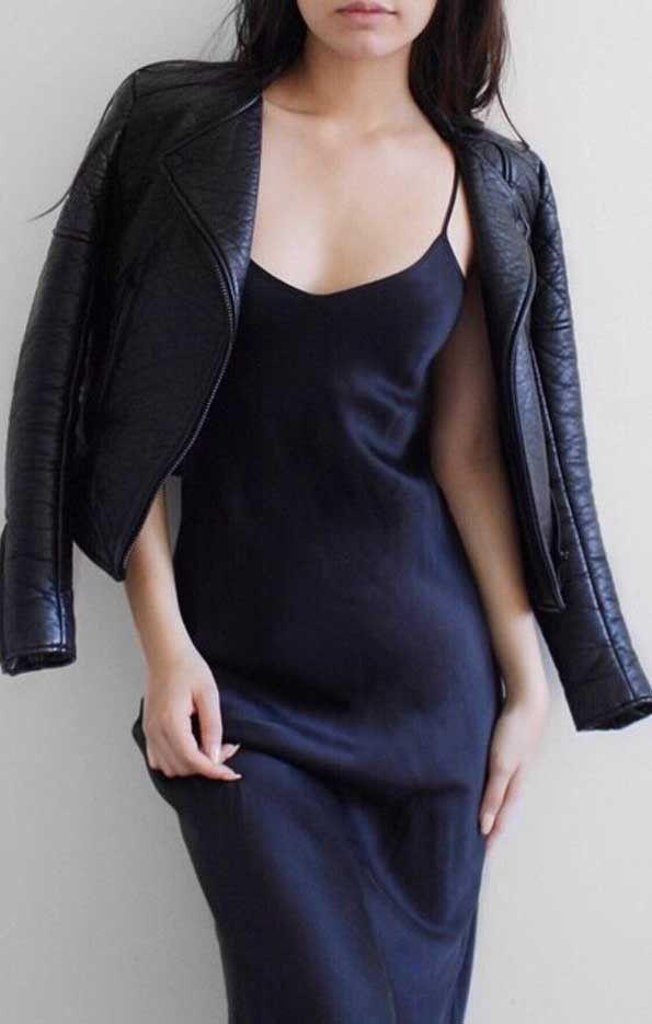 CLASSIC 90'S BLACK SLIP DRESS