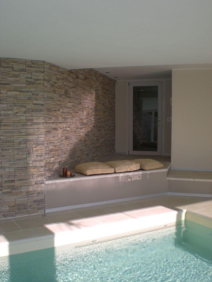Particolare piscina coperta