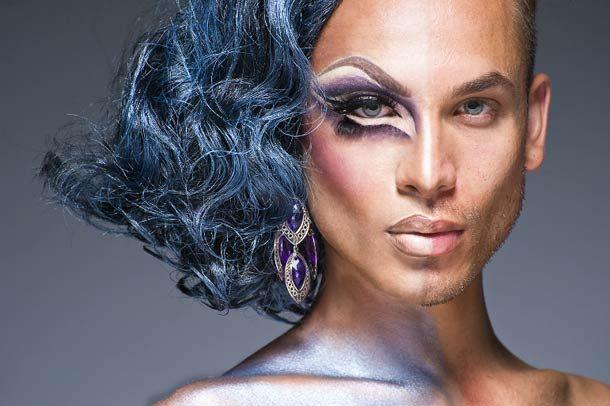 Les travestis burlesques avant et après maquillage par le photographe Leland Bobbe