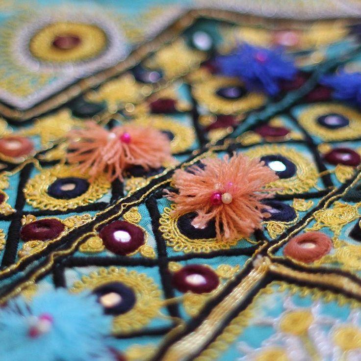 Zoom in!  #colors #ethnic #almarapsodia #handmade #embroidery #rapsodiamexicooficial