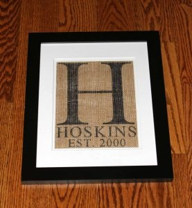 Make a Burlap monogram letter with wedding date. Just use burlap, a stencil and... a Sharpie! This framed burlap monogram with wedding year is a perfect wedding or anniversary gift.