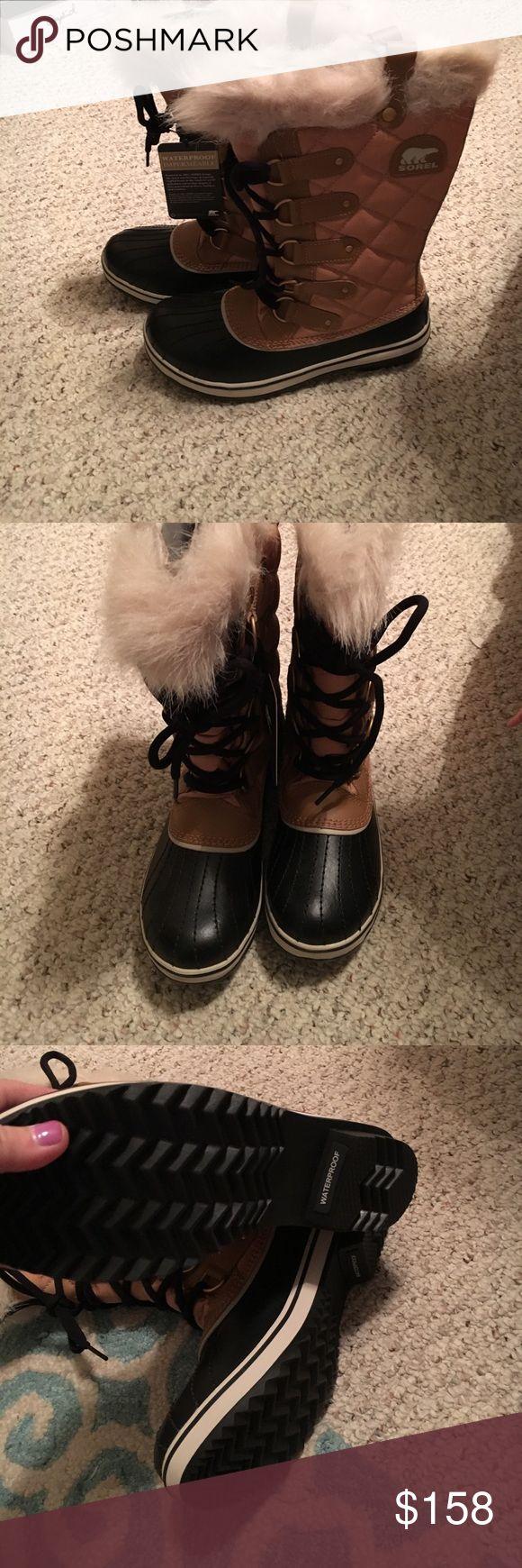 Sorel snow boots Sorel snow boots... size 8. Brand new in box Sorel Shoes Winter & Rain Boots