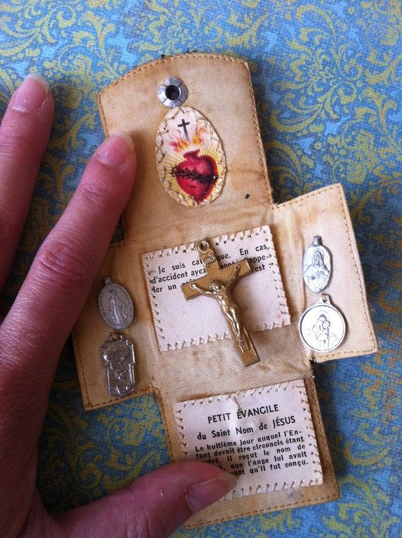Vintage Catholic French Pocket Shrine -- would you make something like this? To sell? Let me know!