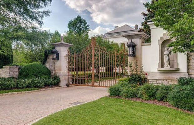 Inside johnny depp 39 s new 17 5 million home in nashville tennessee hum - Johnny depp france house ...