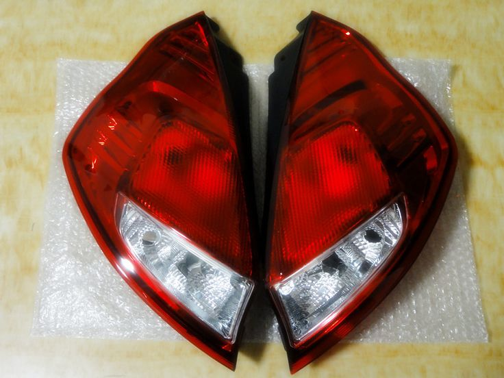 2 Pcs/Pair without bulbs common Rear bumper lights tail lamps for Ford Fiesta 2013 Hatchback