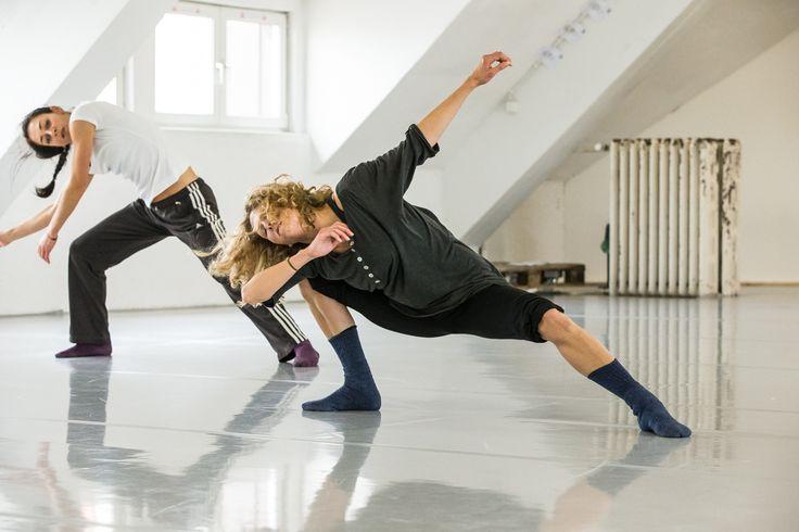 Caroline Finn-Fischer contemporary dance workshop