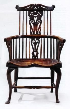 Antique Windsor chairs are a popular style of antique wooden chairs starting in the 18th century.- this is a beautiful exampleBeautiful Examples, Antiques Windsor, Wooden Chairs, Antiques Furniture, Antiques Wooden, Chairs Start, 18Th Century, Popular Style, Beautiful Chairs