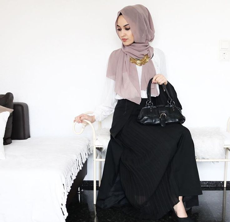 Hijab + Maxi + The Prettiest Shade of Purple (asiyemx)