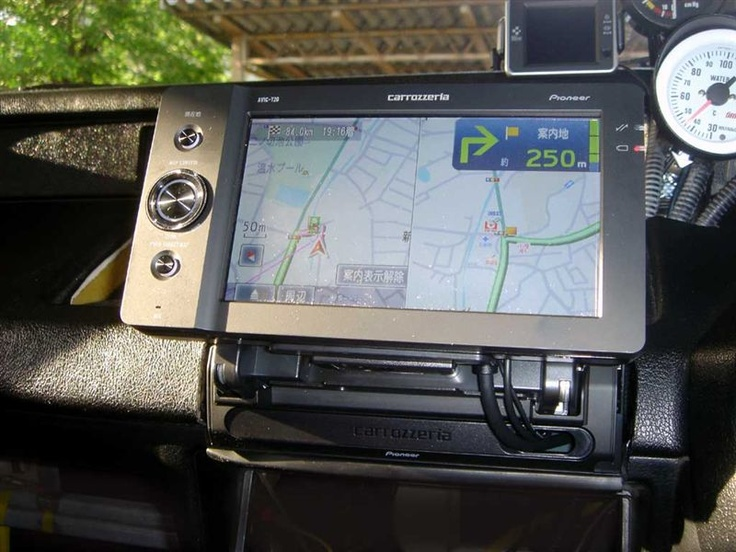 Pioneer navigation unit for 無限 CR-X Pro.