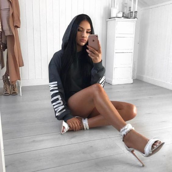 146 best mirror selfie images on Pinterest | Casual outfits Fashion outfits and Baddies