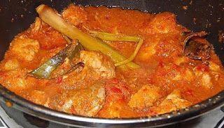 Indisch eten!: Sambal goreng ajam: Indonesische kip gesmoord in k...