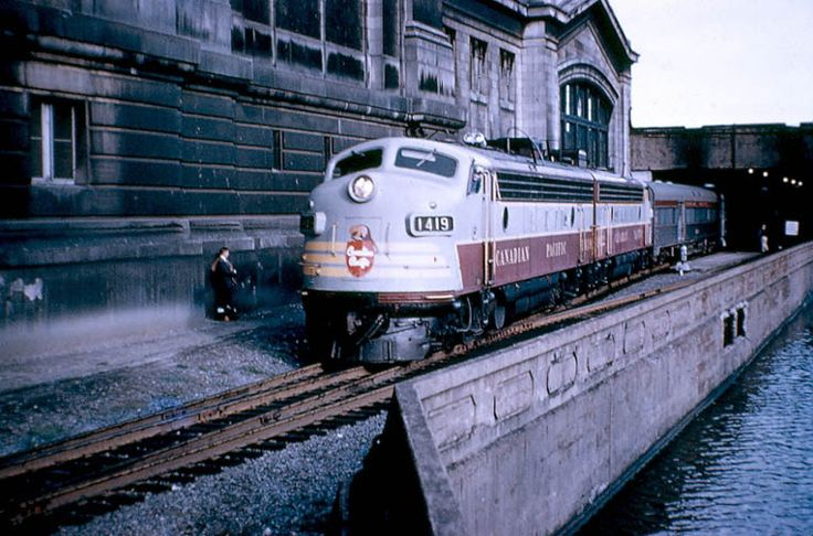 1419-1422 No.1 The Canadian westbound from Montreal to Sudbury. Track two Ottawa Union Station.  Sunday, October 4, 1959