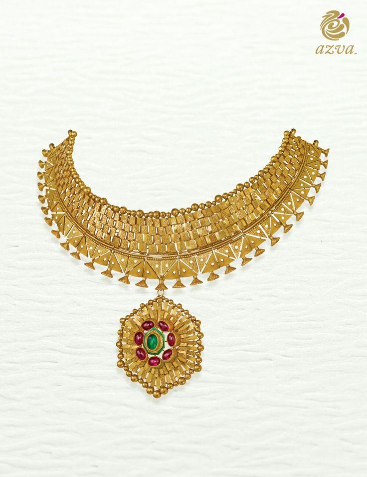 Azva modern necklace with geometric pendant #Goldjewellery #luxury #style