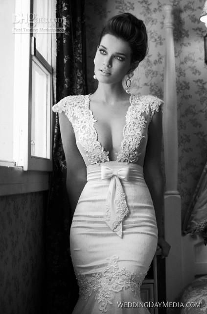 Sexy wedding dress. In love with this