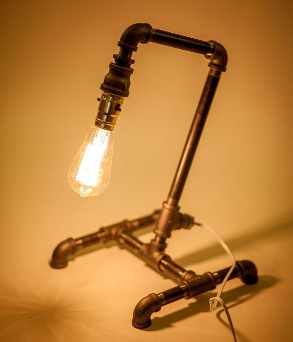 Desktop pipe lamp