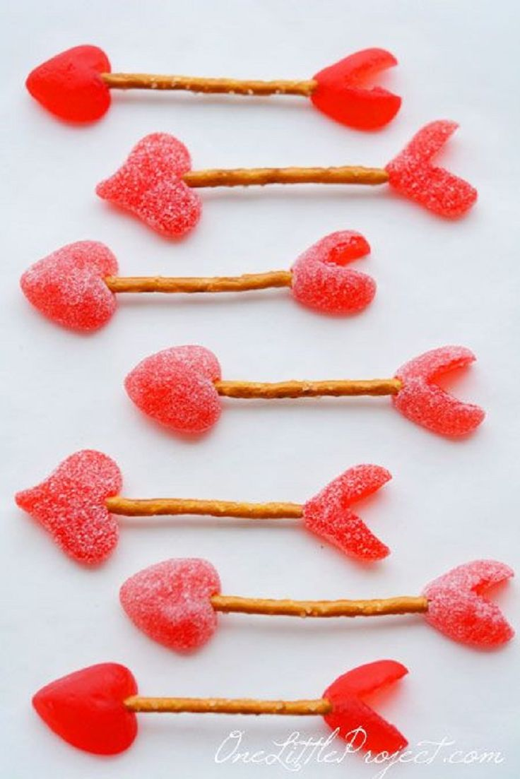 Easy Cupid's Arrow Pretzels recipe or instructions. Simple but effective heart themed snack idea for Valentine's Day.