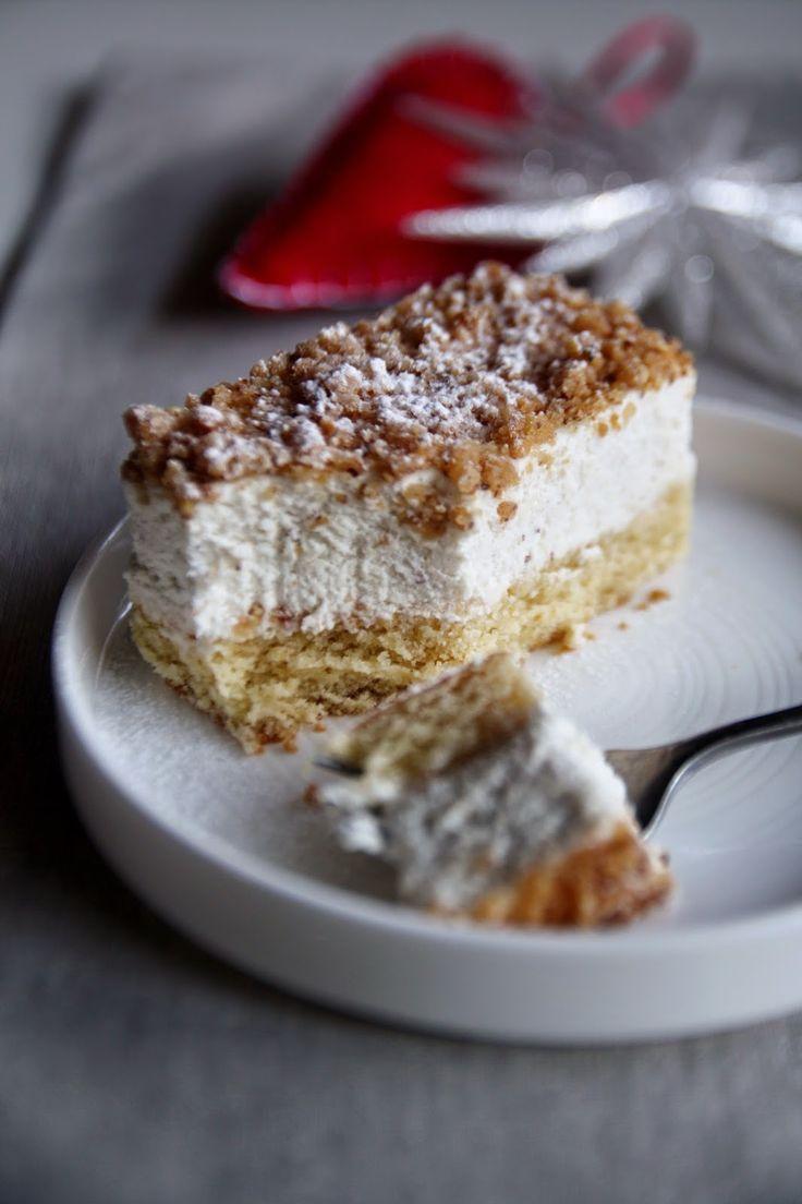 Dessert festivo alla vaniglia e nocciole