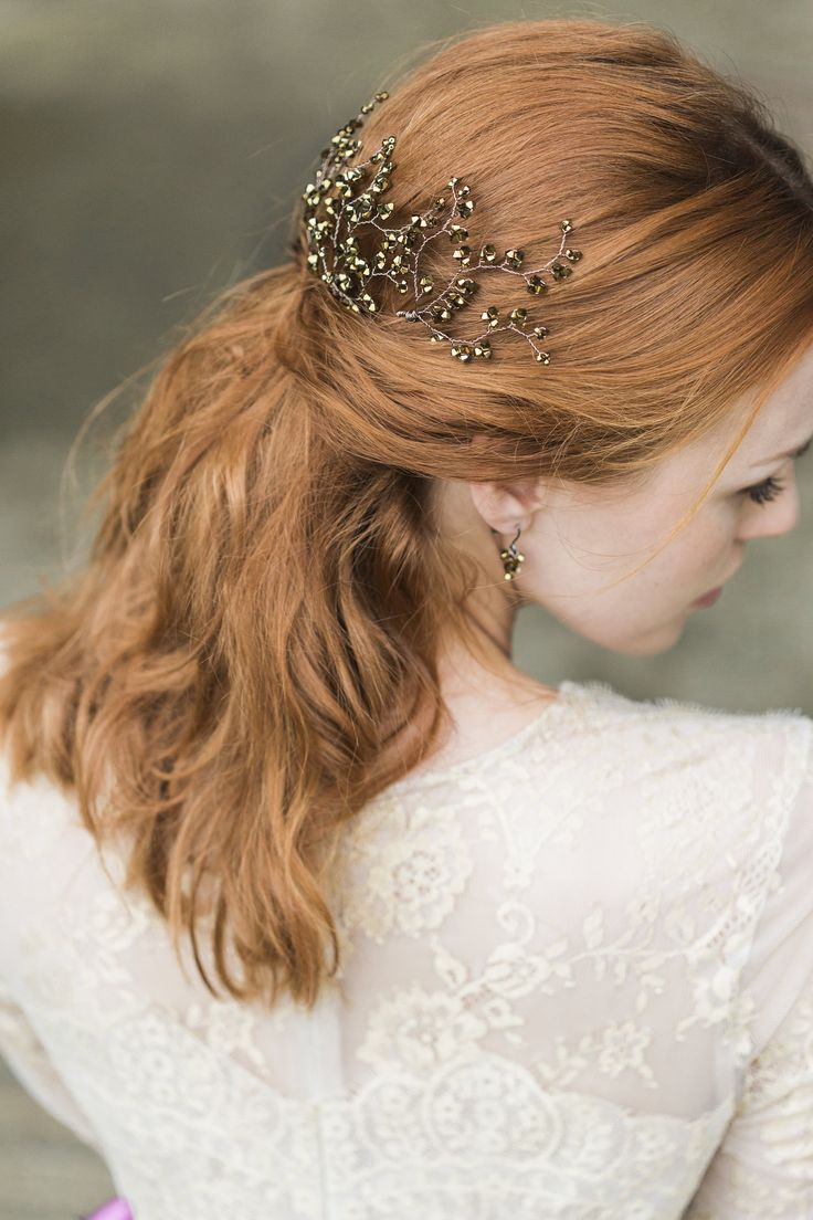Hermione Harbutt Nova Gold Hairpins | Amy Fanton Photography | #bridal #hairpiece #wedding #accessories