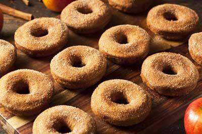 Gluten Free Apple Cider Donuts Recipe - http://glutenfreerecipebox.com/gluten-free-apple-cider-donuts/ #glutenfree #glutenfreerecipes