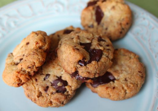 Chocolate chip cookies with almond flour and honey #dietfriendly
