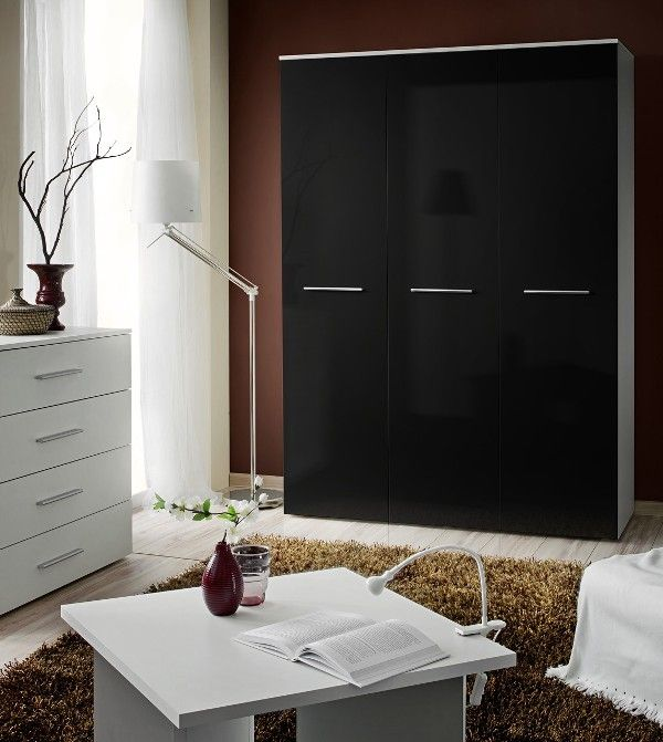 Wardrobe 135d - Black gloss wardrobe