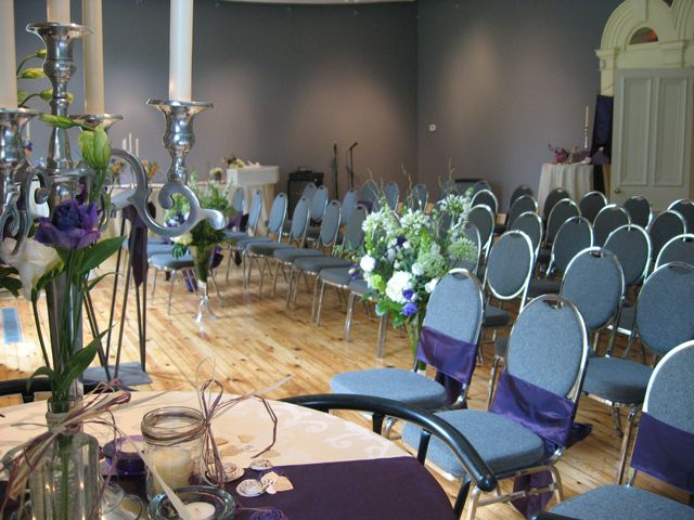 The historic Custom House at the Workers Arts and Heritage Centre is an ideal location for a wedding ceremony or reception. Either in the Main Gallery or in the backyard, both spaces can be enhanced to suit a variety of wedding styles.