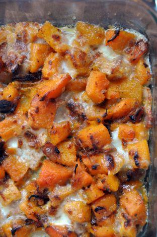 Peervormige pompoen met olijfolie, spek en mozzarella  ....