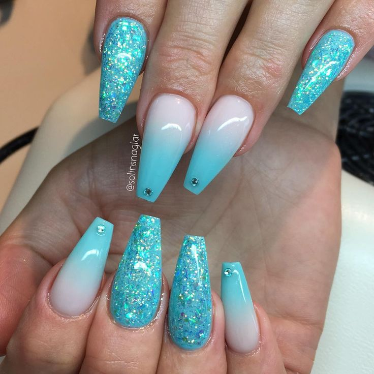 "3,883 Likes, 16 Comments - Solin Sadek (@solinsnaglar) on Instagram: ""Ombre med Frosted Pink och ""Ice Mint"", egenblandat glitter och stenar #lillynails"""