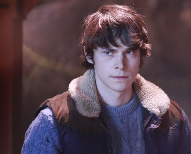 JONATHAN WHITESELL IS A FRICKEN HOTTY ON ONCE UPON A TIME HE PLAYS HERCULES!!!!!!!!