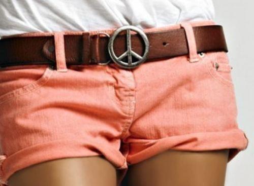 pink shorts. peace belt.: Belts Buckles, Fashion, Style, Clothing, Colors Shorts, Peace Signs, Summer Shorts, Coral Shorts, Dreams Closets
