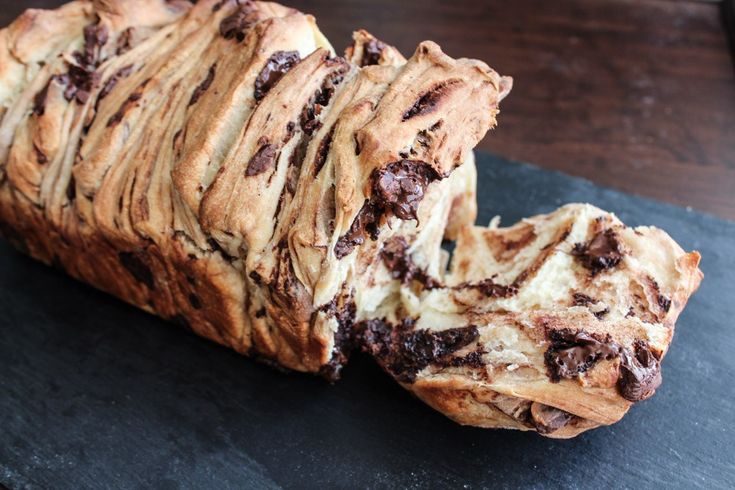 Such an awesome bread!! Sooo much chocolate and sooo soft bread! Perfect for the afternoon tea or just a couple of slices as a snack (if you can settle with just a few slices?)