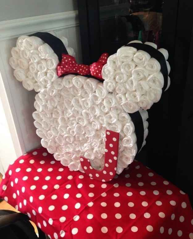 Torta de pañales de Minnie para baby shower.#DecoracionBabyShower