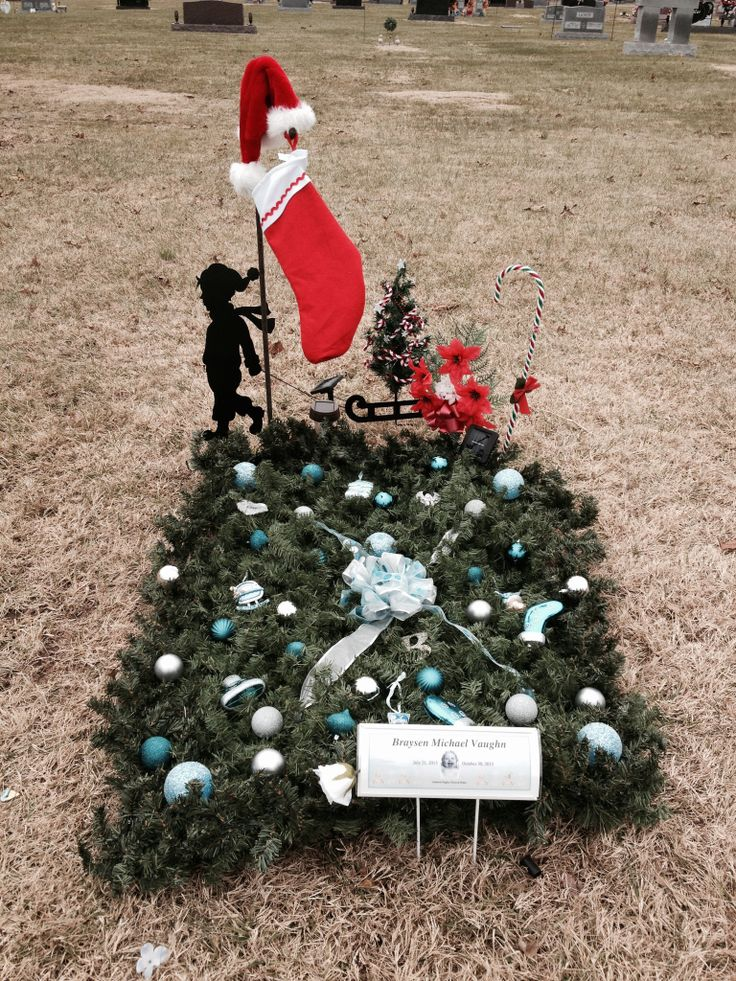Cemetery Christmas Decorations Part - 26: Christmas 2013 Grave Decorations